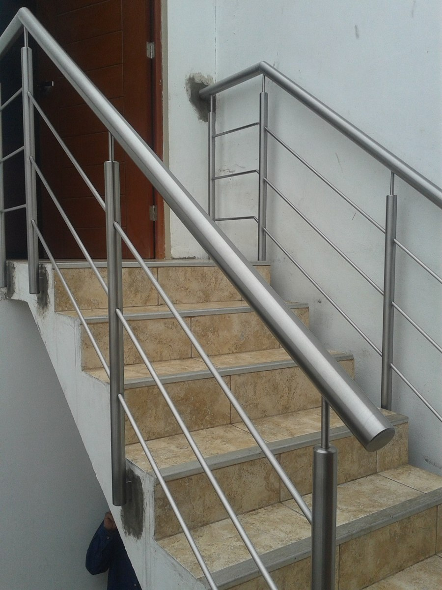 Barandillas de diseo affordable modelo barandilla for Escalera aluminio plegable easy